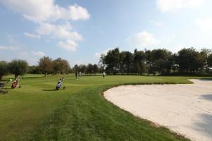 Hole 5 (5) greenside bunker-Golfclub Flevoland